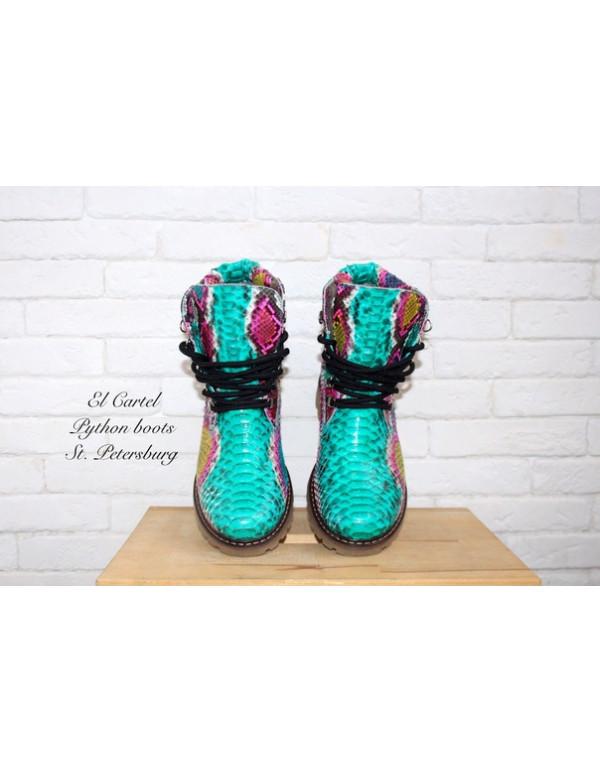 Зимние ботинки из питона