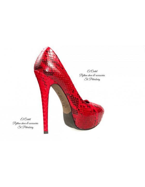 Красные туфли из питона на платформе