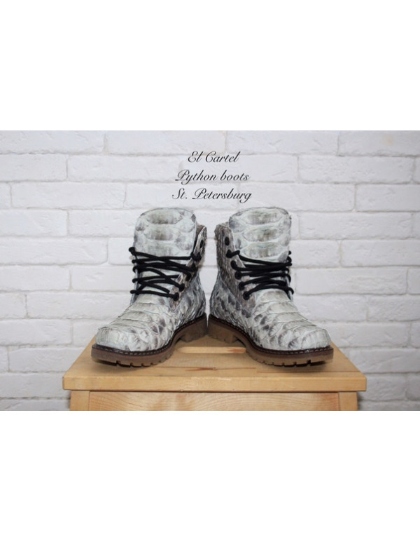 Зимние ботинки из питона-дракона